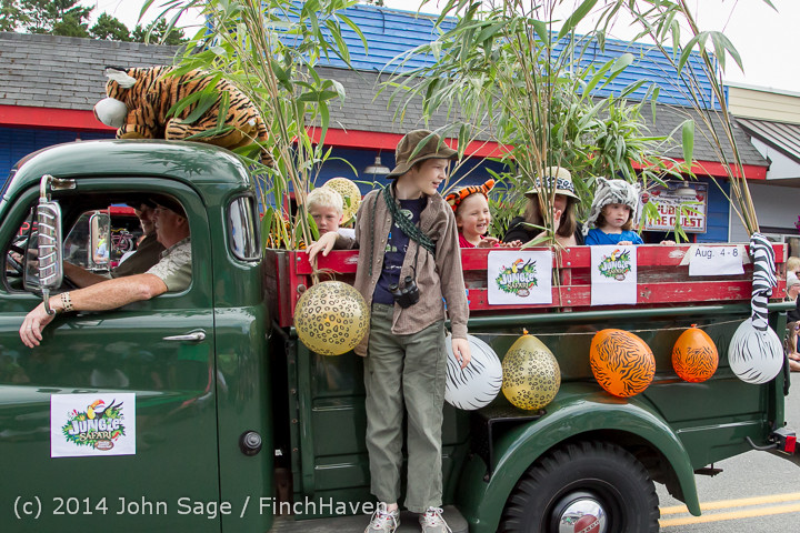 20772 Vashon Strawberry Festival Grand Parade 2014 071914