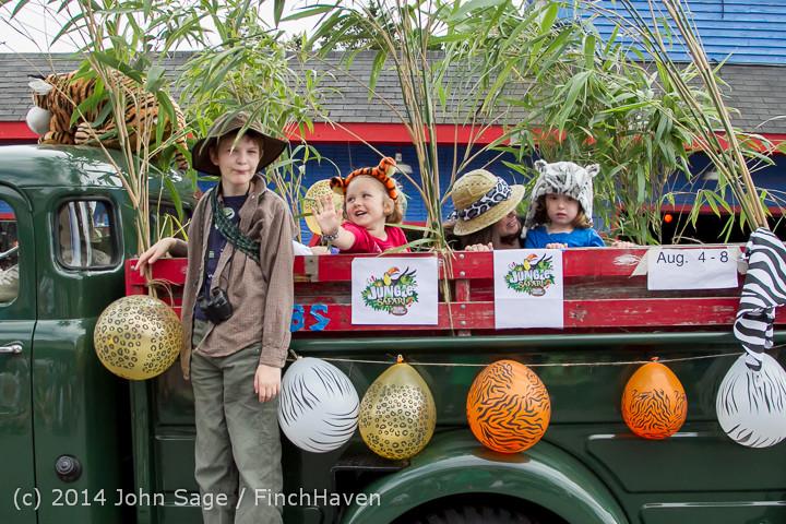 20775 Vashon Strawberry Festival Grand Parade 2014 071914