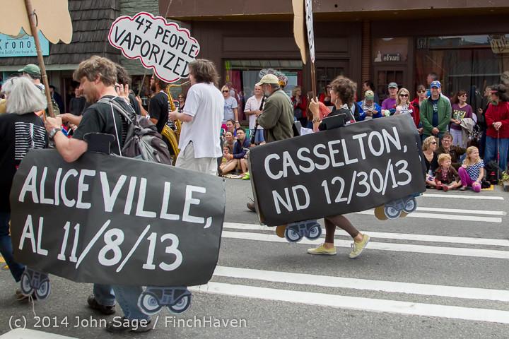 20833 Vashon Strawberry Festival Grand Parade 2014 071914
