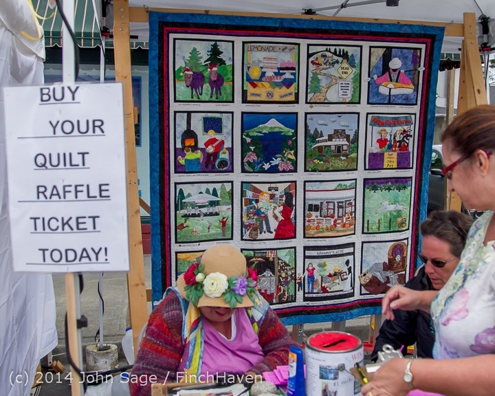 2684_Sunday_Walkabout_Strawberry_Festival_2014_072014