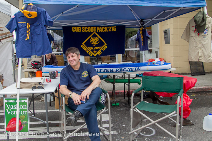 2688 Sunday Walkabout Strawberry Festival 2014 072014