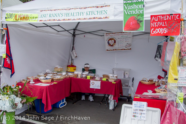 2689 Sunday Walkabout Strawberry Festival 2014 072014