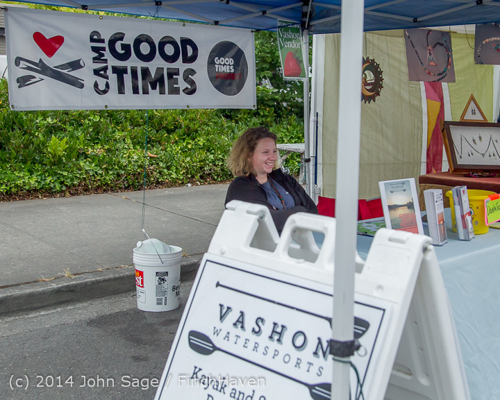 2696 Sunday Walkabout Strawberry Festival 2014 072014