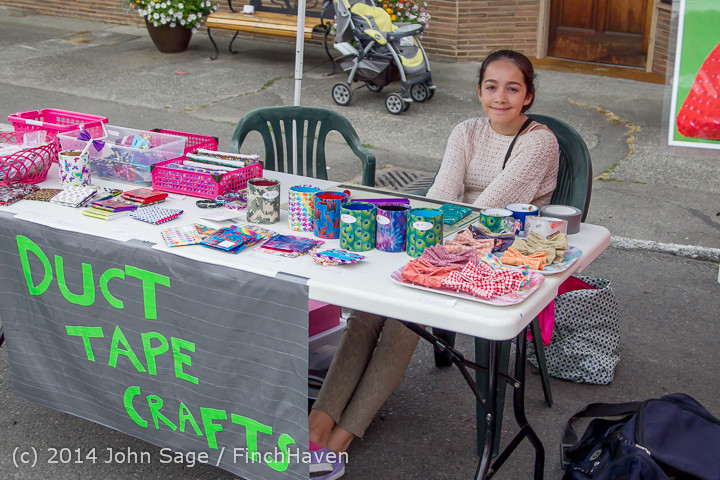 2706 Sunday Walkabout Strawberry Festival 2014 072014