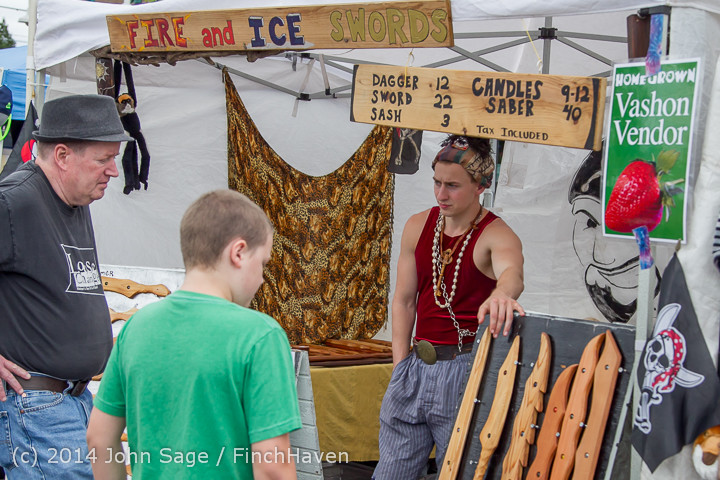2711_Sunday_Walkabout_Strawberry_Festival_2014_072014
