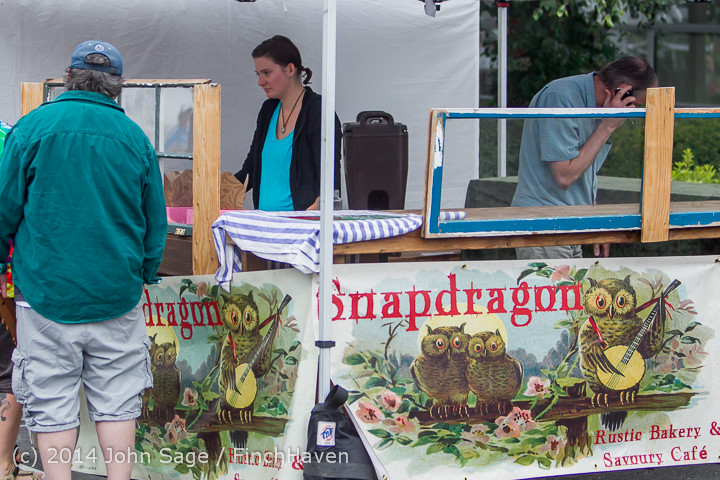 3270 Sunday Walkabout Strawberry Festival 2014 072014