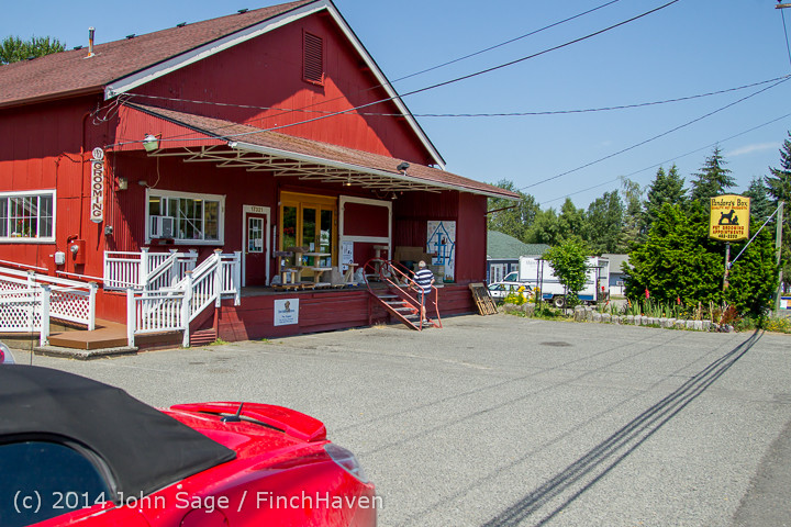 5850 Monday Walkabout Strawberry Festival 2014 071414