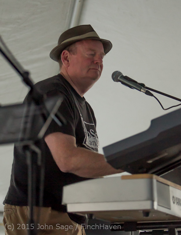 18240_Loose_Change_at_Beer_Garden_Festival_Friday_2015_071715