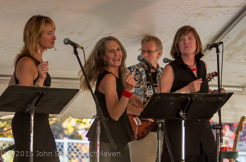 18739_Loose_Change_at_Beer_Garden_Festival_Friday_2015_071715