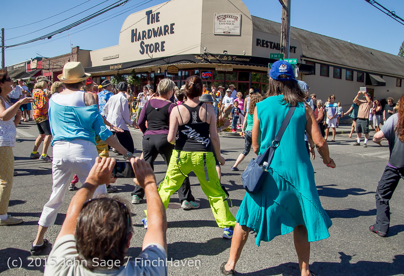21760 Strawberry Festival Saturday Walkabout 2015 071815