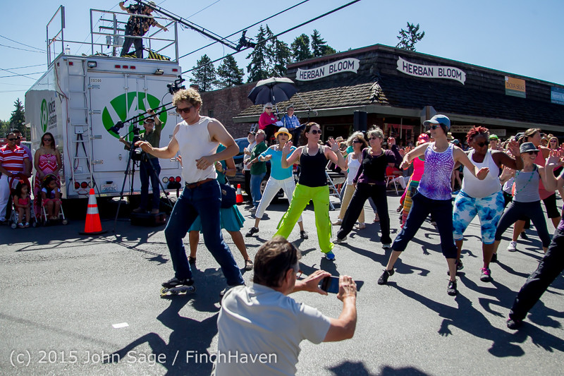 21763 Strawberry Festival Saturday Walkabout 2015 071815
