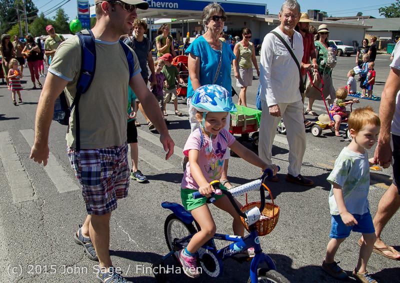 21826 the Grand Parade 2015 071815