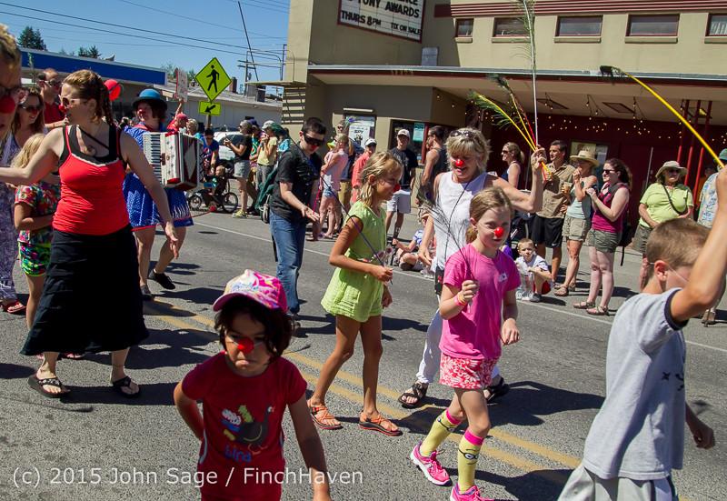 21877 the Grand Parade 2015 071815