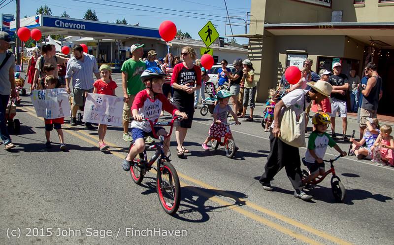 21881 the Grand Parade 2015 071815
