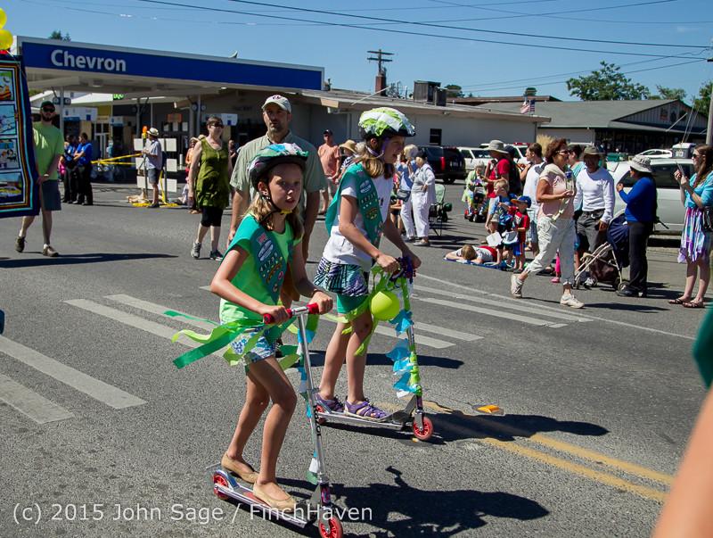 22045 the Grand Parade 2015 071815