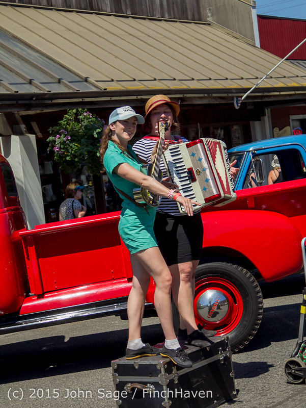 24050 Strawberry Festival Sunday Walkabout 2015 071915