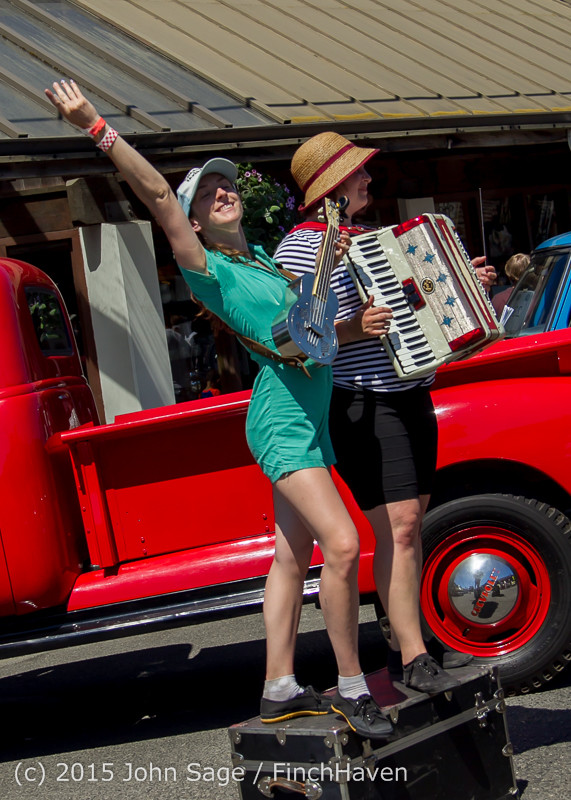 24053 Strawberry Festival Sunday Walkabout 2015 071915