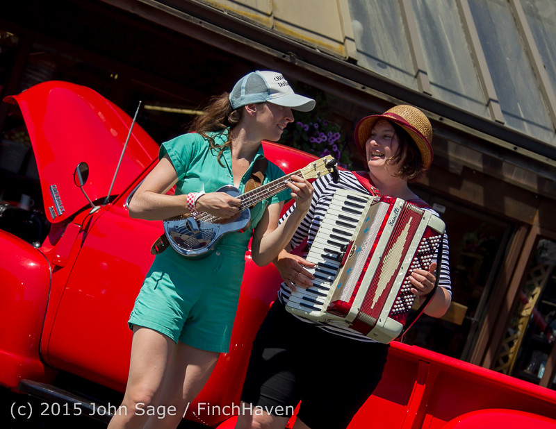 24055 Strawberry Festival Sunday Walkabout 2015 071915