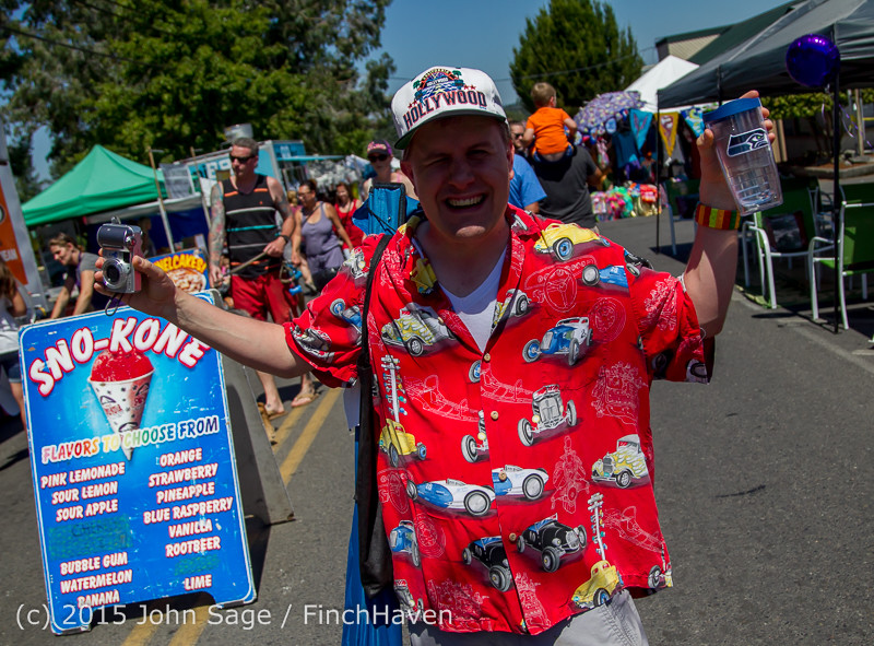 24125 Strawberry Festival Sunday Walkabout 2015 071915