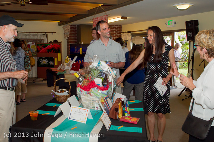 7437_Vashon_Island_PTSA_Auction_Ambience_2013