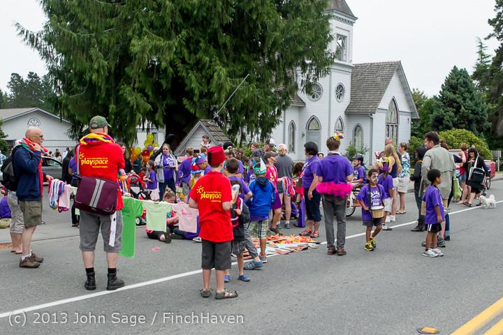 5338 Vashon Strawberry Festival Grand Parade 2013 072013