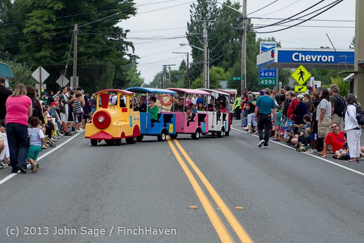 5344 Vashon Strawberry Festival Grand Parade 2013 072013