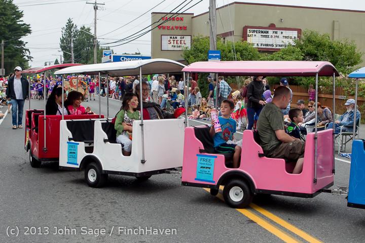 5346 Vashon Strawberry Festival Grand Parade 2013 072013