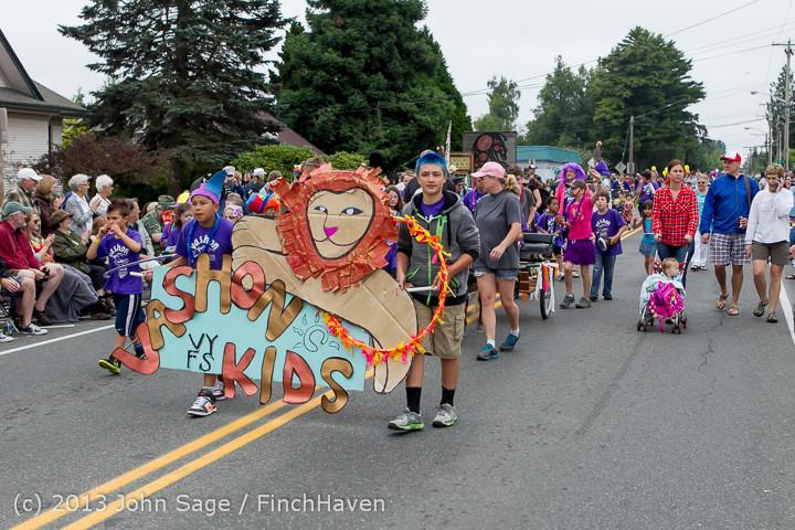 5352 Vashon Strawberry Festival Grand Parade 2013 072013