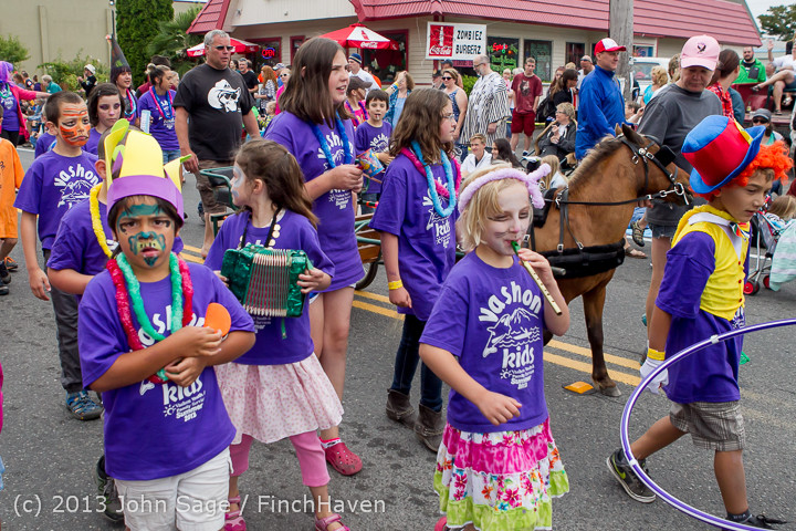 5356 Vashon Strawberry Festival Grand Parade 2013 072013