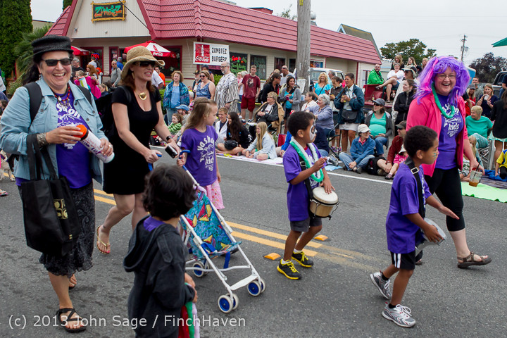 5366 Vashon Strawberry Festival Grand Parade 2013 072013