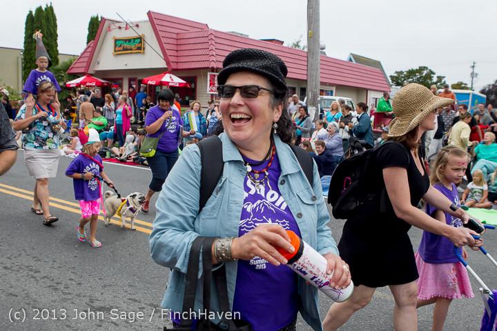 5368 Vashon Strawberry Festival Grand Parade 2013 072013