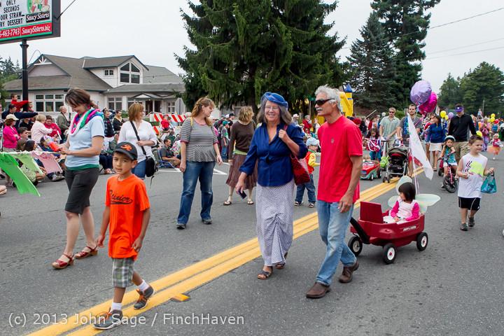 5394 Vashon Strawberry Festival Grand Parade 2013 072013