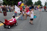 5396 Vashon Strawberry Festival Grand Parade 2013 072013