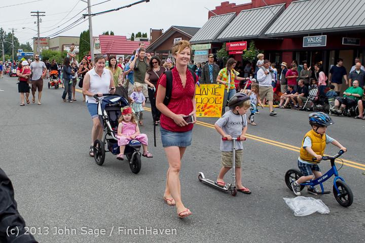 5425 Vashon Strawberry Festival Grand Parade 2013 072013