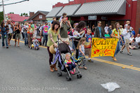 5428 Vashon Strawberry Festival Grand Parade 2013 072013