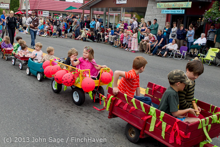 5450 Vashon Strawberry Festival Grand Parade 2013 072013