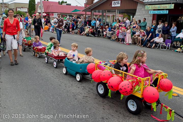 5451 Vashon Strawberry Festival Grand Parade 2013 072013