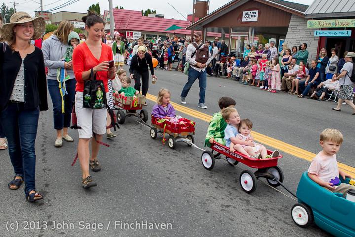 5454 Vashon Strawberry Festival Grand Parade 2013 072013