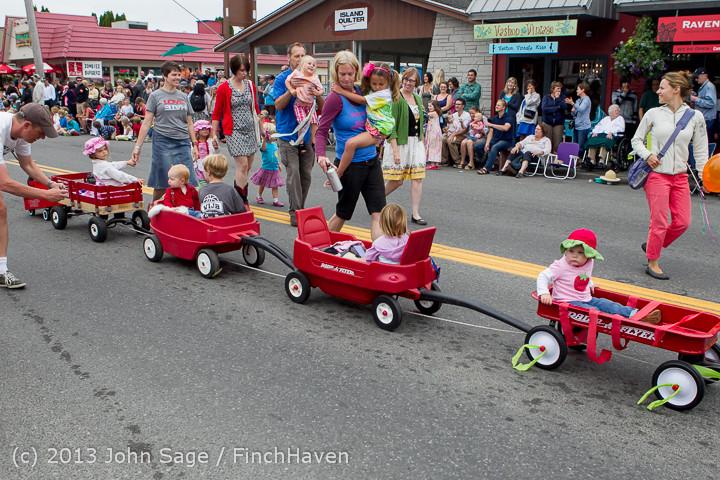 5460 Vashon Strawberry Festival Grand Parade 2013 072013