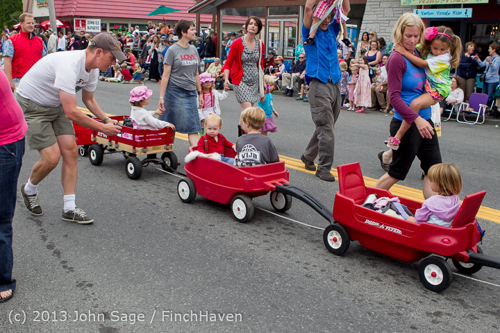 5461 Vashon Strawberry Festival Grand Parade 2013 072013