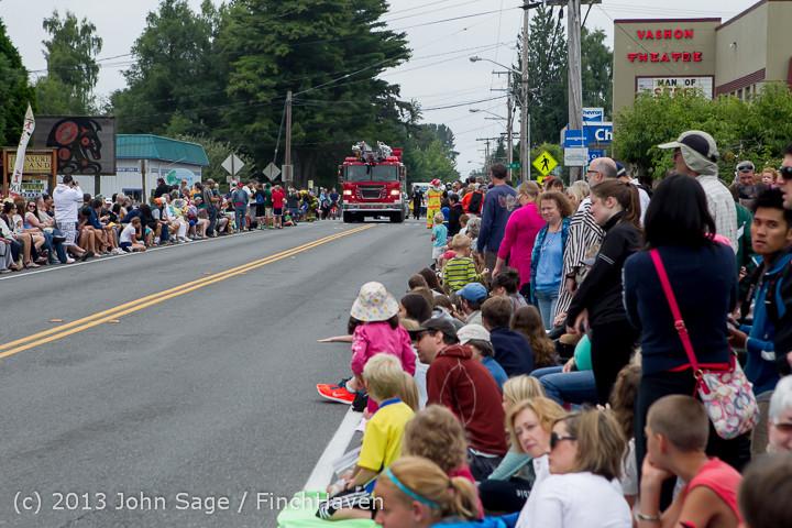 5465 Vashon Strawberry Festival Grand Parade 2013 072013