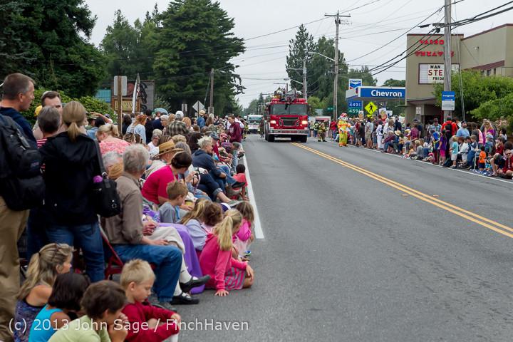 5468 Vashon Strawberry Festival Grand Parade 2013 072013