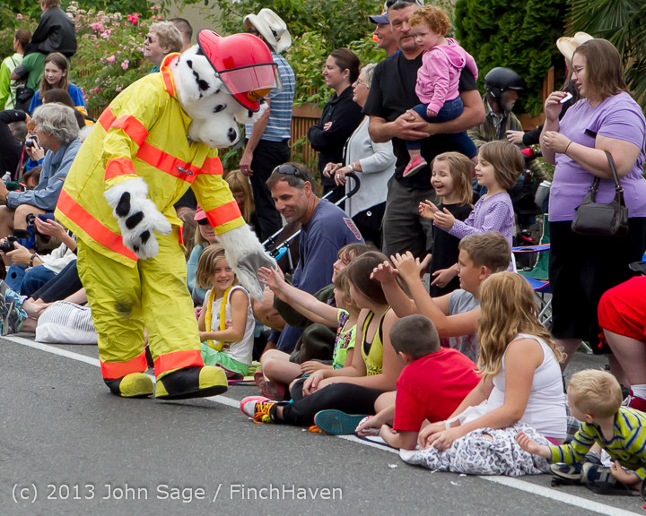 5478 Vashon Strawberry Festival Grand Parade 2013 072013