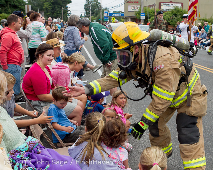 5501 Vashon Strawberry Festival Grand Parade 2013 072013