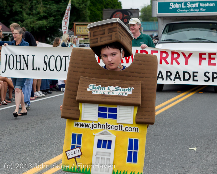 5513 Vashon Strawberry Festival Grand Parade 2013 072013