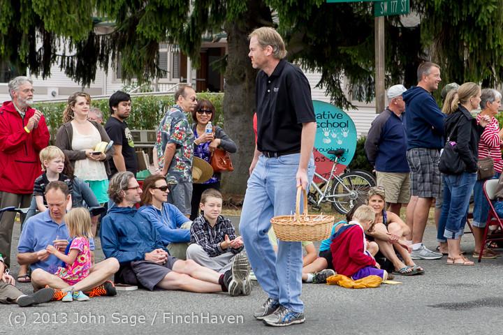 5528 Vashon Strawberry Festival Grand Parade 2013 072013