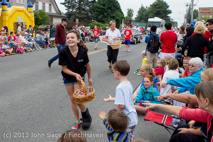 5543 Vashon Strawberry Festival Grand Parade 2013 072013