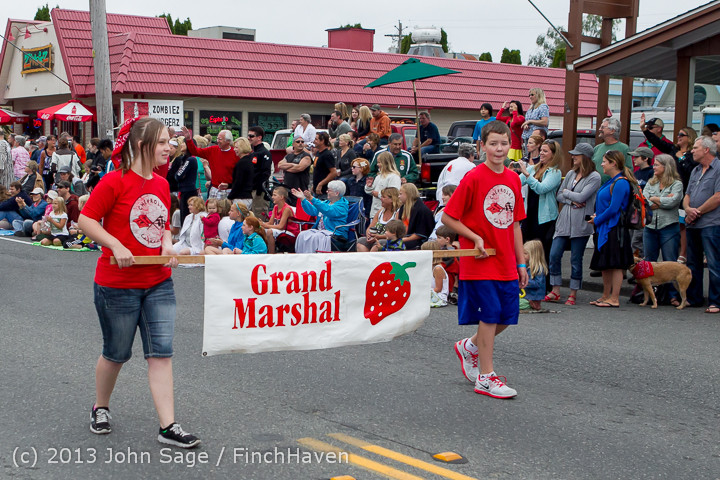 5554 Vashon Strawberry Festival Grand Parade 2013 072013