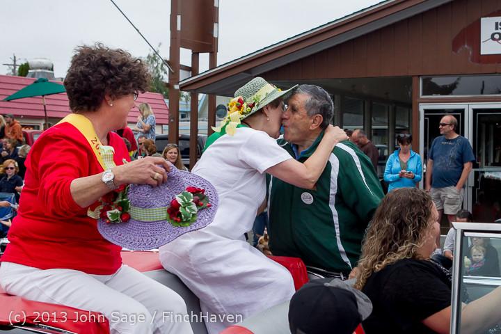 5575 Vashon Strawberry Festival Grand Parade 2013 072013