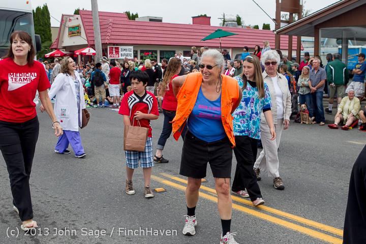 5588 Vashon Strawberry Festival Grand Parade 2013 072013